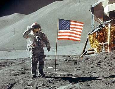 Man Lands on the Moon - Moon Landing