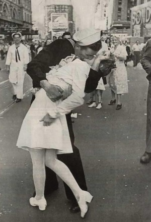 "Famous Eisenstaedt Photo ""Sailors Kiss"" on V-J Day"