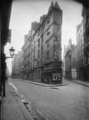 Atget influence on Abbott - Paris Street Scape